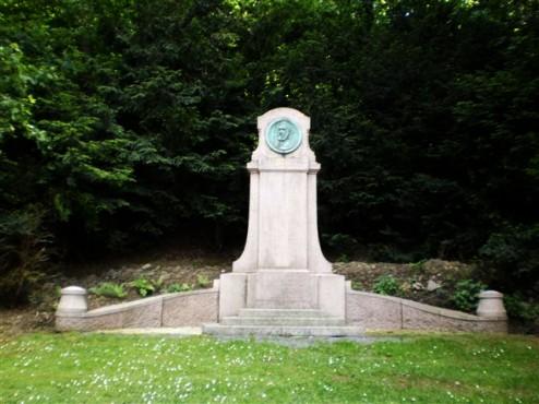 Dörpfeld-Denkmal - Obere Barmer Anlagen