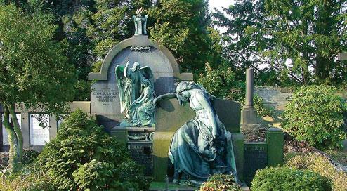 http://www.wuppertals-gruene-anlagen.de/wp-content/uploads/2011/01/Unterbarmer-Friedhof.jpg