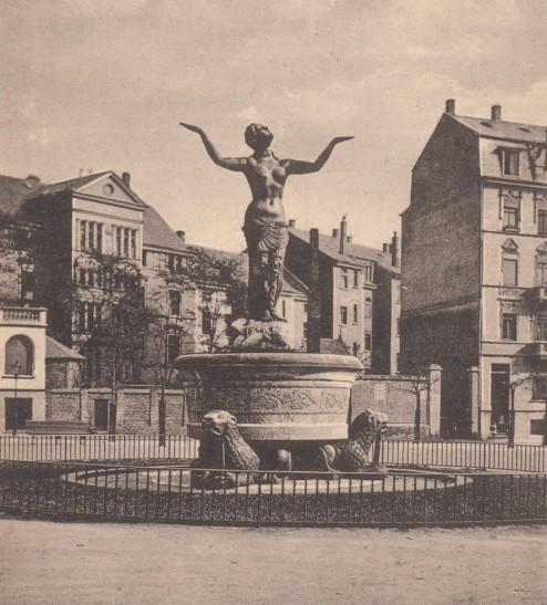 Gerechtigkeitsbrunnen 1914